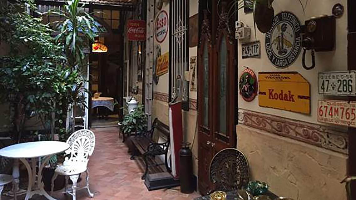 Casa 1932 - Art deco haven in Centro Habana