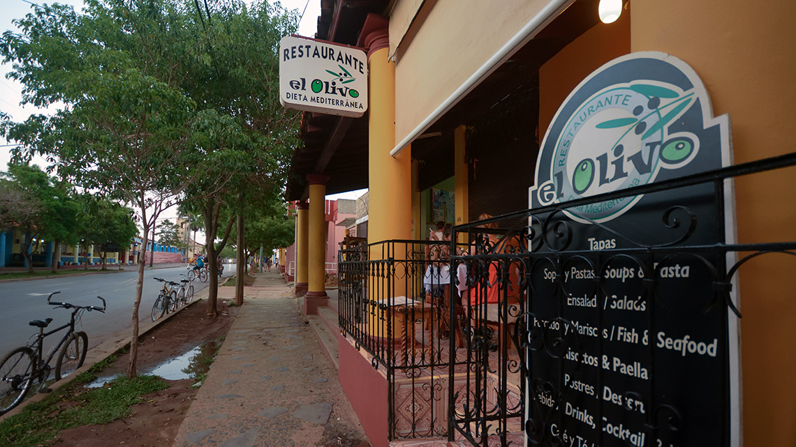 Main entrace of El Olivo restaurant one of the best farm-to-table options in Vinales
