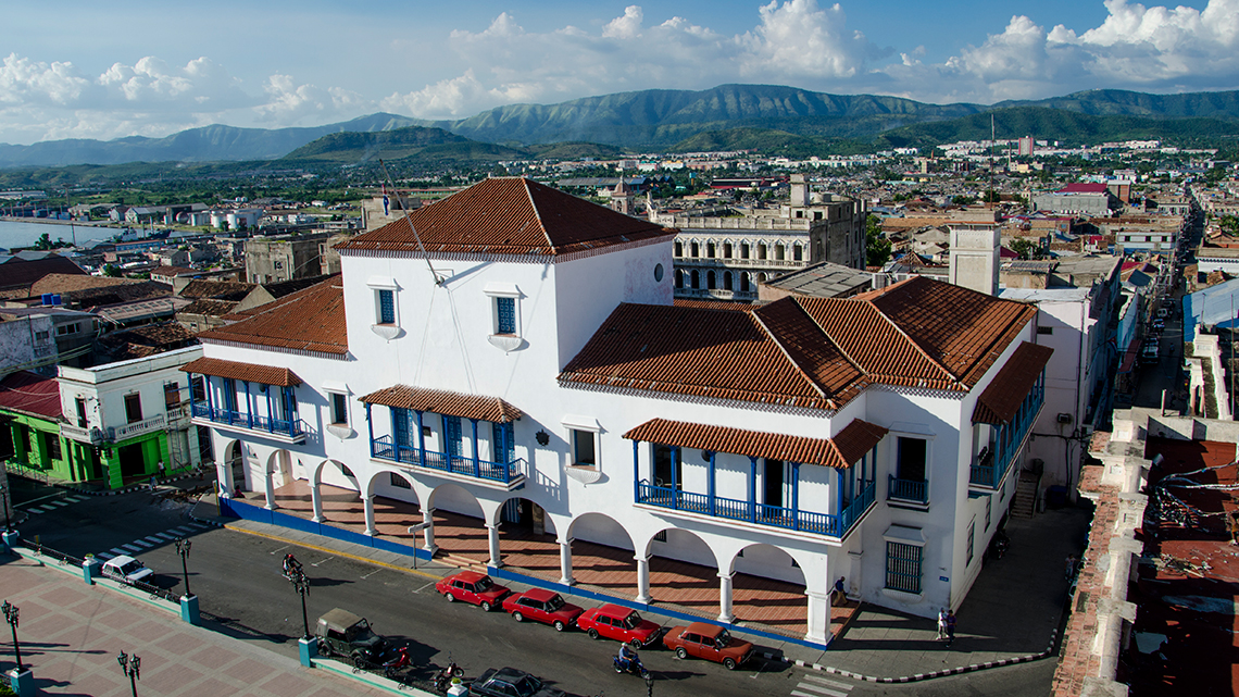 View of Santiago de Cuba's Town Hall, in the background the mountains of Sierra Maestra