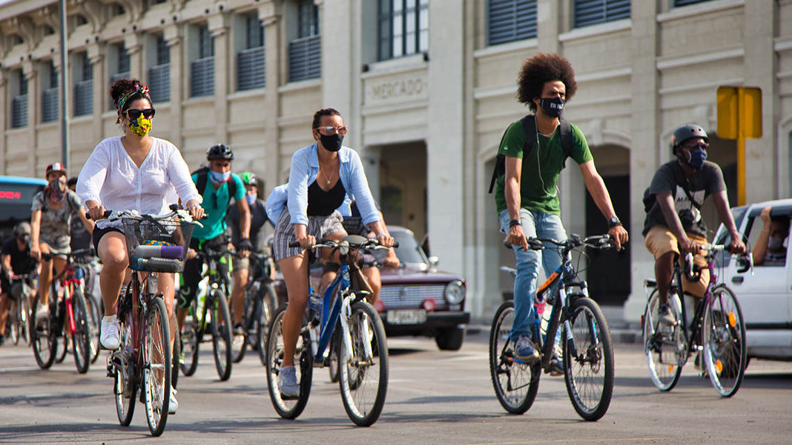 Bike riders in Cuatro Caminos during Critical Mass Havana - August 2020