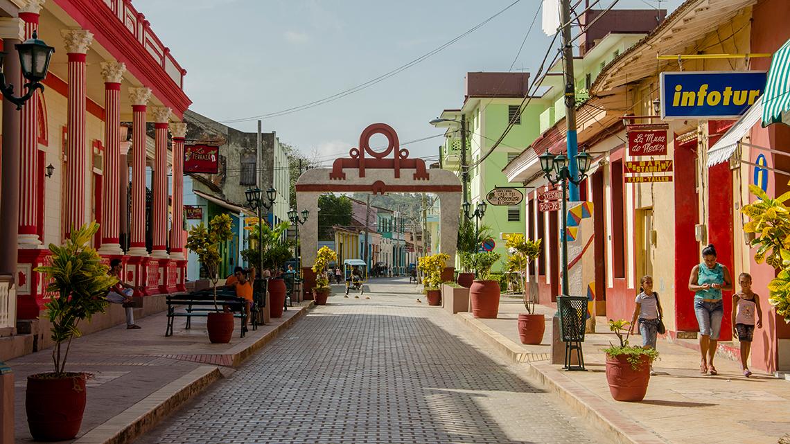 Walking through the centre fo Baracoa